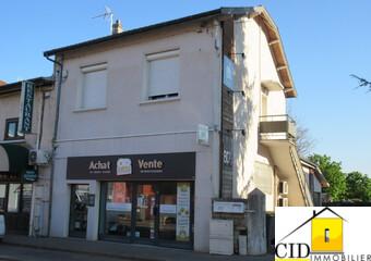 Location Appartement 4 pièces 81m² Saint-Bonnet-de-Mure (69720) - Photo 1