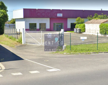 Vente Local commercial 914m² Castelsarrasin (82100) - photo
