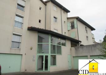 Location Appartement 3 pièces 70m² Saint-Bonnet-de-Mure (69720) - Photo 1