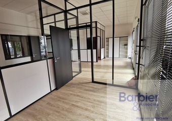 Location Local commercial 93m² Vannes (56000) - Photo 1