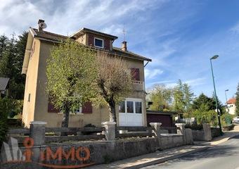 Vente Maison 8 pièces 161m² Le Chambon-sur-Lignon (43400) - Photo 1