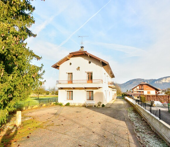Vente Maison 7 pièces 198m² Saint-Pierre-en-Faucigny (74800) - photo