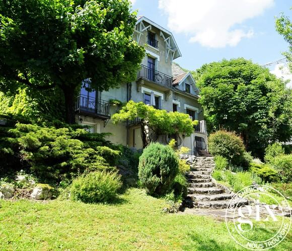 Vente Maison 10 pièces 218m² La Tronche (38700) - photo