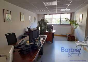 Location Bureaux 550m² Vannes (56000) - Photo 1