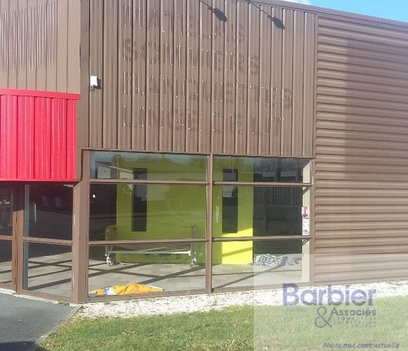 Location Local commercial 490m² Vannes (56000) - photo