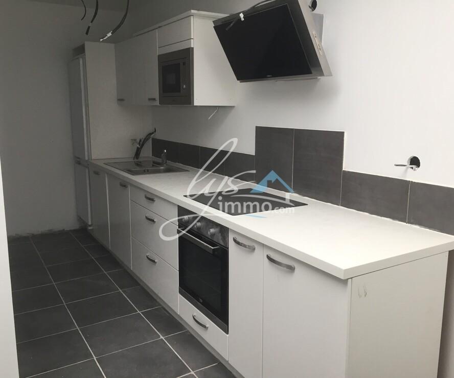 Location Appartement 4 pièces 80m² Estaires (59940) - photo